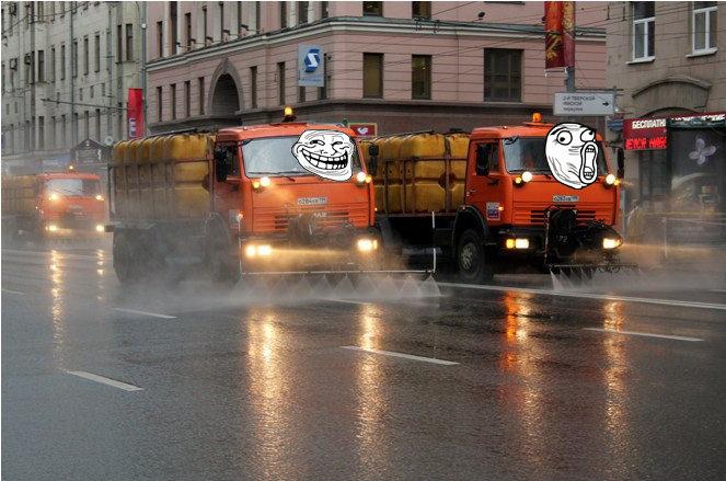 Зачем мыть дороги водой в дождь?
