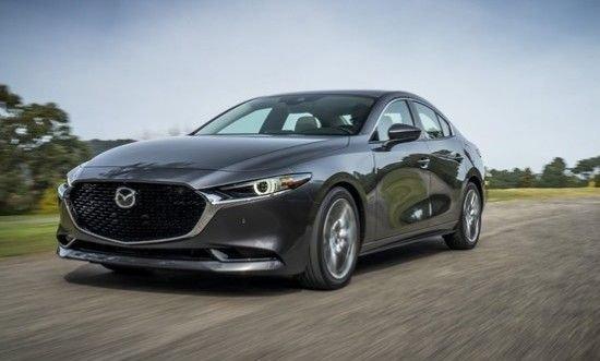 Новое поколение седана Mazda 3 в России: когда и почем
