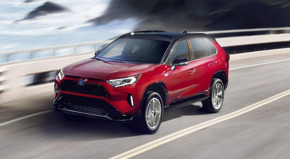 Toyota RAV4: самый мощный вариант, запоздалая презентация и «лосиный тест»