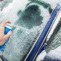 Три верных метода борьбы со льдом на лобовом стекле