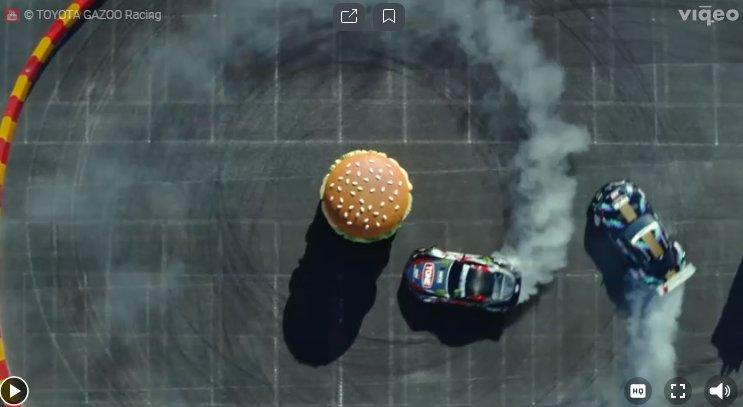 Дрифт вокруг бургера (видео)