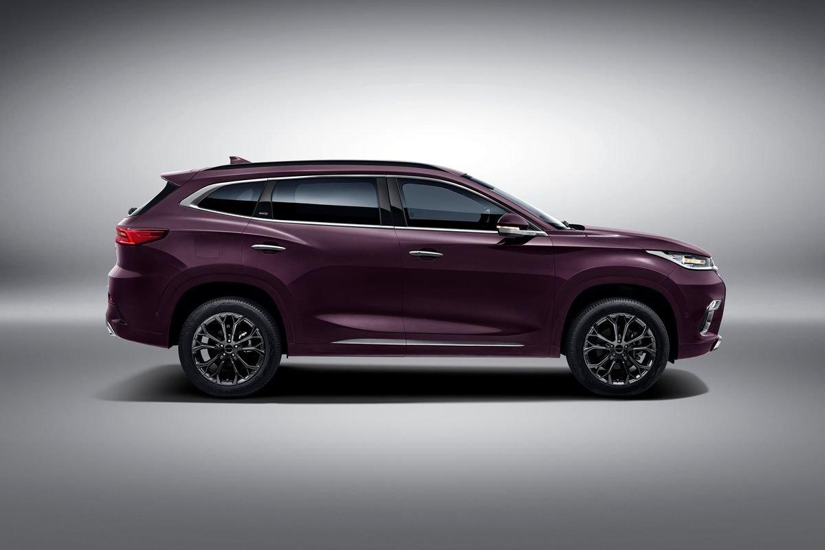 Новый автомобильный бренд в России — CHERYEXEED