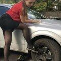 Водитель получил штраф за остановку из-за спустившей шины