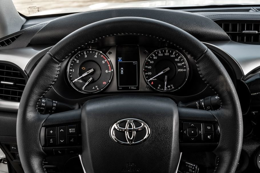 Toyota-Hilux15.jpg