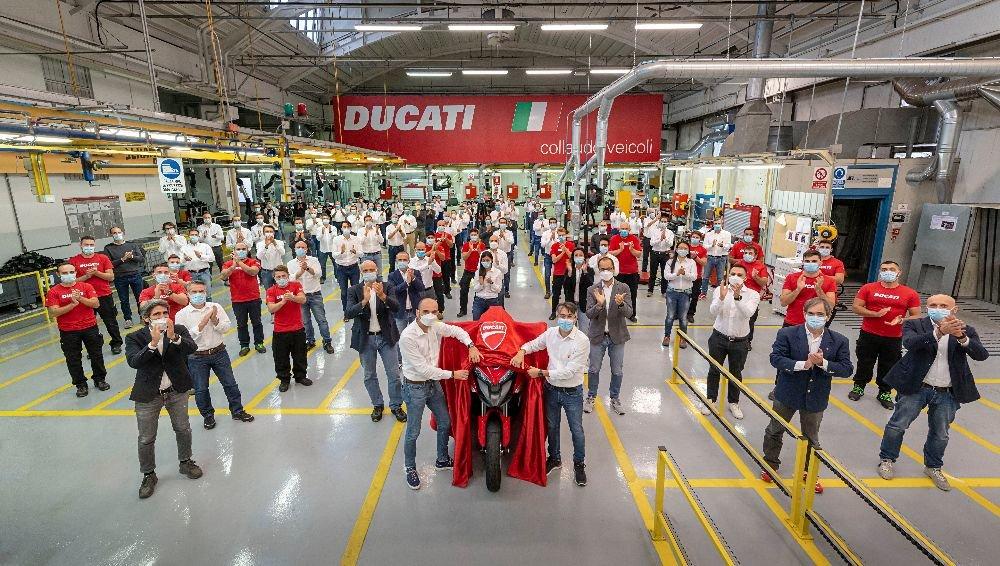 Ducati начала производство первого в мире мотоцикла с двумя радарами