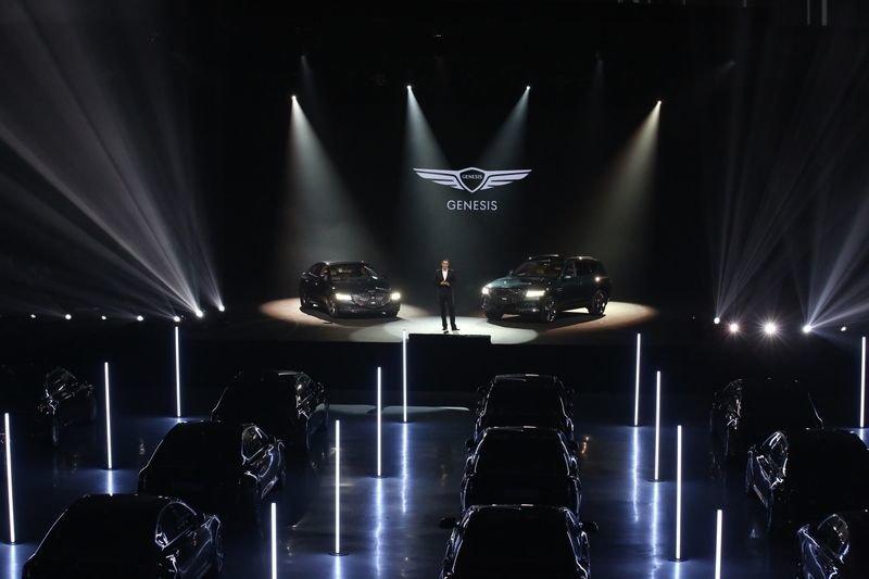 В Москве состоялась российская премьера моделей Genesis