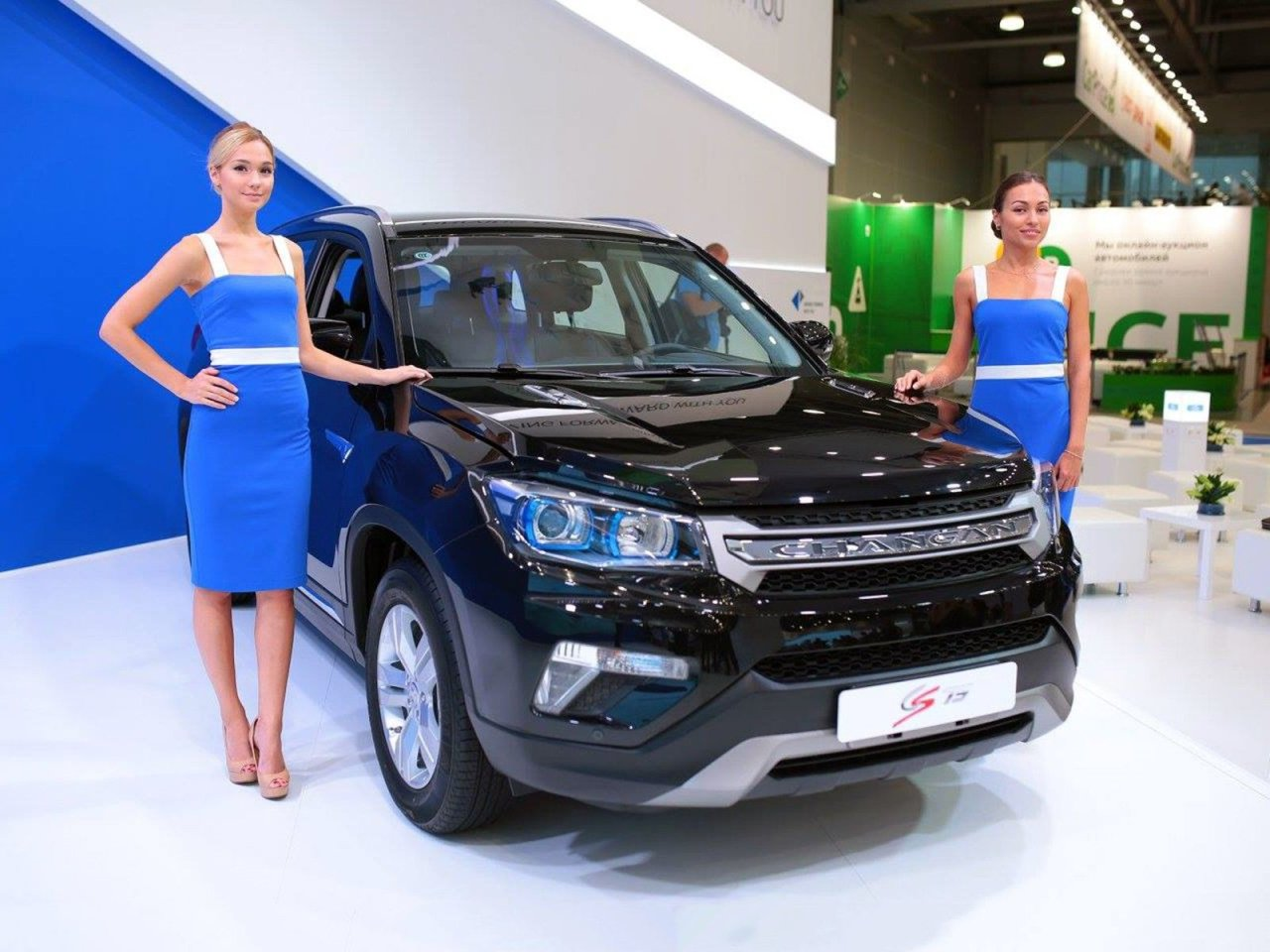Шесть брендов переписали прайсы на автомобили во второй половине октября