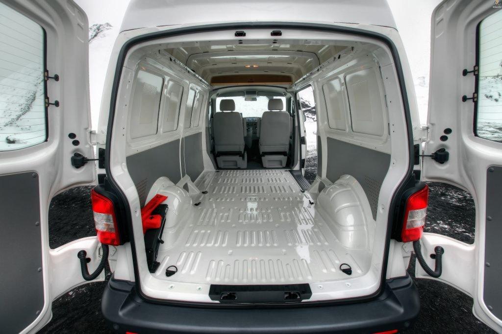 Volkswagen_t5_transporter_41.jpg
