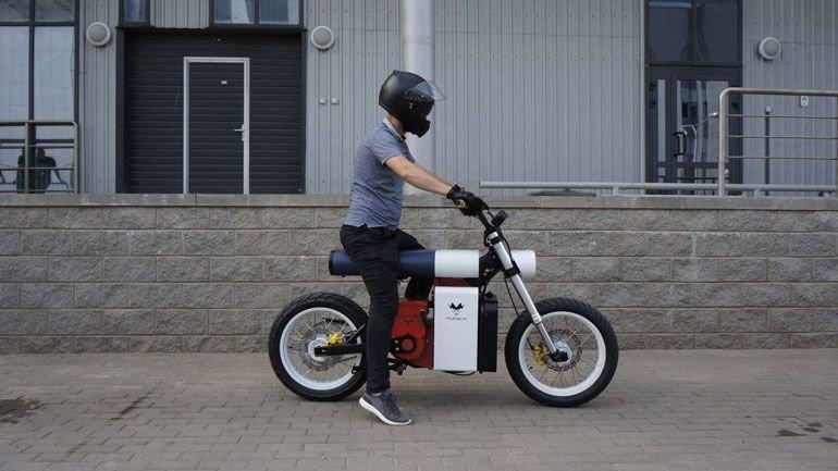 3a5d58c19c_50165294_punch-moto.jpg