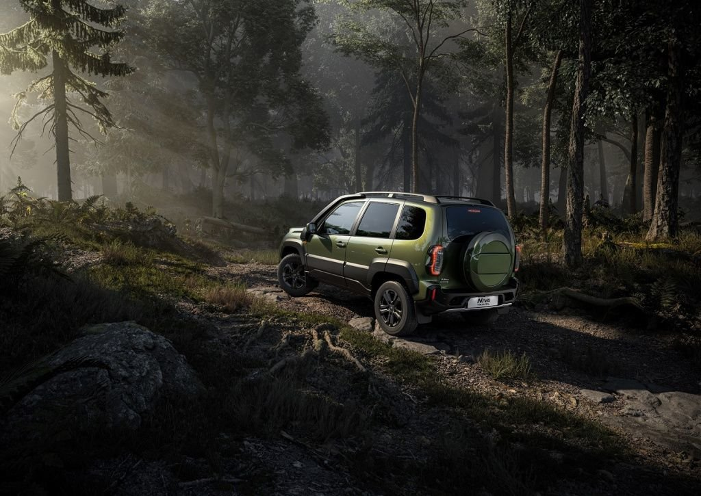 Niva Travel Offroad_Forest.jpg