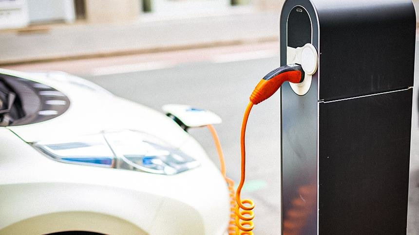 В России появятся 1000 новых зарядных станций для электромобилей