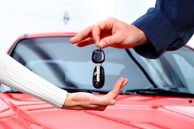 Правительство продлило программы льготного лизинга и автокредитования