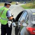 Водителям разрешат не возить с собой права