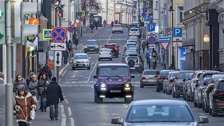 Парковка в Москве станет бесплатной 22 и 23 февраля