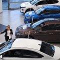 Продажи новых легковых автомобилей в России сократились в марте на 5,7%