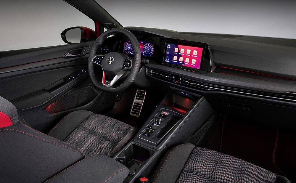 Volkswagen_Golf_GTI_Interior.jpg