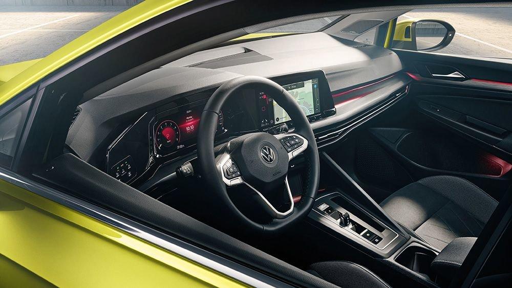 Volkswagen_Golf_Interior.jpg