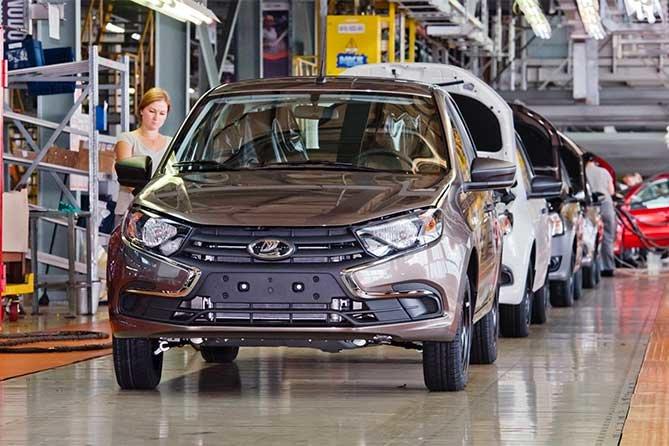 «АвтоВАЗ» приостановит производство «народного» автомобиля