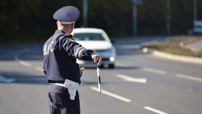 В каких случаях сотрудники ГИБДД могут остановить вашу машину?