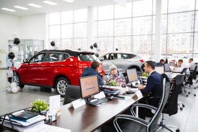Сколько будут стоить машины в России осенью?