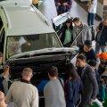 Растет ли срок ожидания автомобиля у дилера?